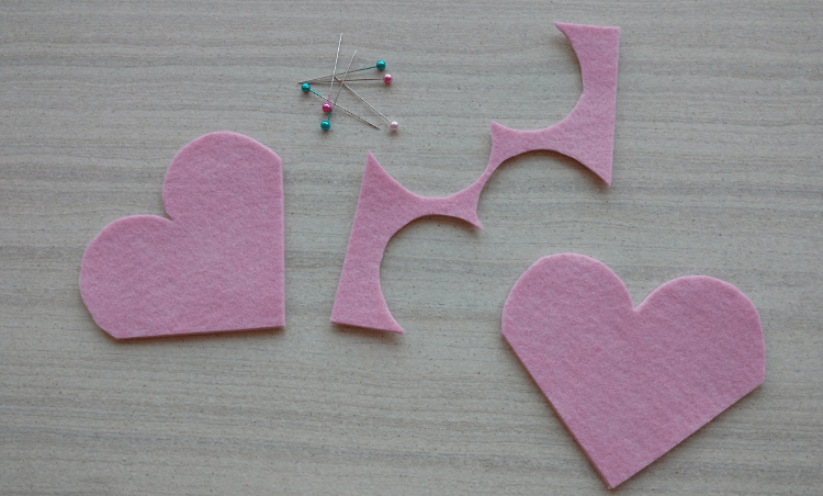 Felt Heart Bookmark Tutorial