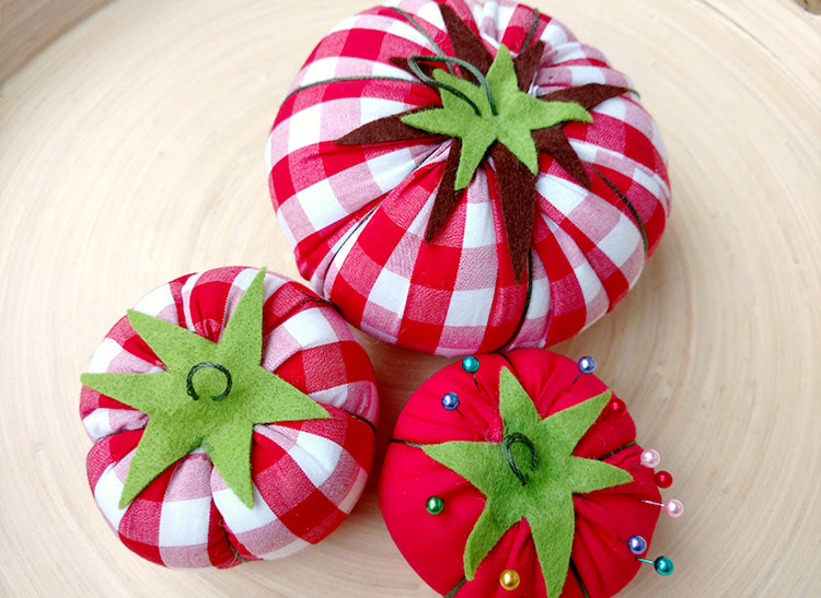 Make Your Own Classic Tomato Pin Cushion