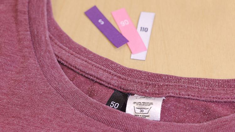 Hoe bevestig je maatlabels op kleren