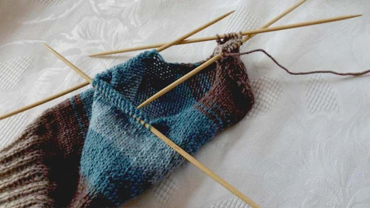 How to knit socks - Knitting the heel
